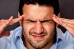 Резкая боль в голове как симптом инсульта у молодых