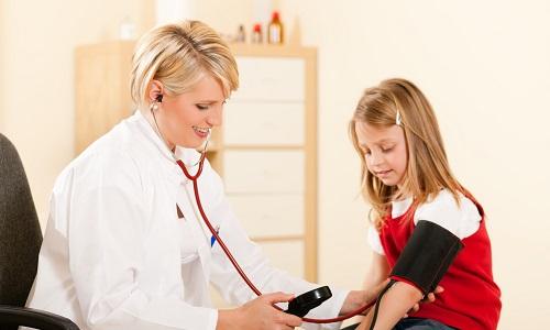 Повышенное внутричерепное давление: причины, симптомы и лечение